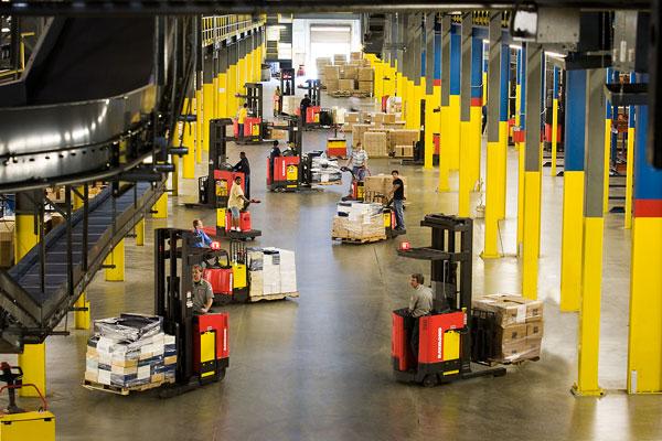 Warehouse Material Handler / Roof Loader (135)